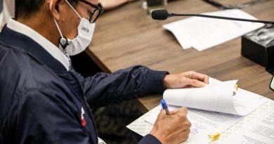 Menparekraf dan Jajaran Pejabat Eselon 1 Tandatangani Perjanjian Kinerja 2021