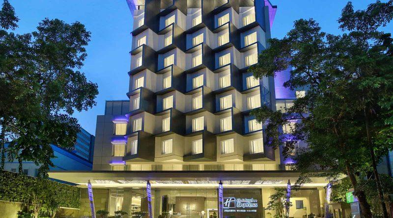 Rayakan Tahun Baru Imlek Bersama Holiday Inn Express Jakarta Wahid Hasyim
