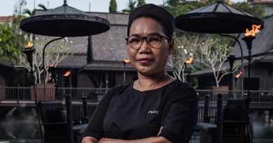 """The Slate - Chef Anongrat """"Piak"""" Meklai sous chef and the guardian of Black Ginger-0521"""